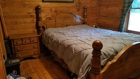 PPU---Queen Bed, dresser & nightstand in Dover, Tennessee