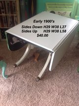 Antique Dining room table in Hopkinsville, Kentucky