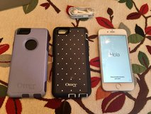 iPhone 6 64gb in silver & two otterboxes in Stuttgart, GE