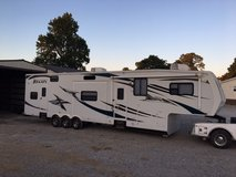 ** 2010 TOY HAULER CAMPER JAYCO RECON 39C STORED INSIDE VERY CLEAN** in Fort Campbell, Kentucky