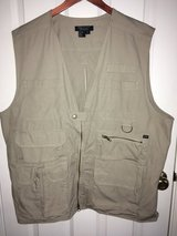5.11 Tactical Vest Size XL Like New!! Tan/Khaki Color Lots of Pockets, Concealment in Naperville, Illinois