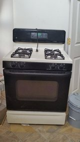 GE Gas Stove - Very good working condition in Elgin, Illinois
