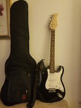 Electric Guitar , Black and White w/ case in Glendale Heights, Illinois