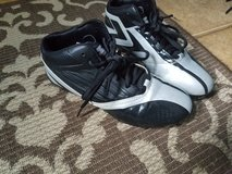 Size 7 young men cleats..starter in Sugar Grove, Illinois