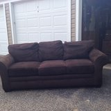 Broyhill couch in Cleveland, Ohio