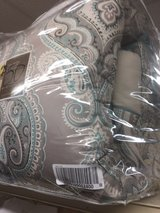 twin comforter set new in Fort Bragg, North Carolina