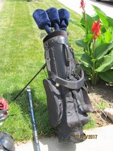 Starter Set of Golf Clubs with Bag in Bartlett, Illinois