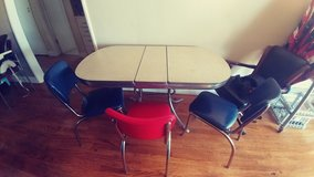 vintage Formica table in Temecula, California