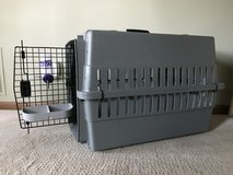 Dog Sky Crate in Naperville, Illinois