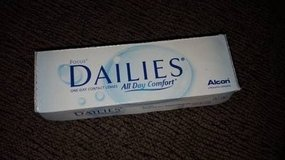 focus dailies one day contact lenses pwr -2.75 in Chicago, Illinois