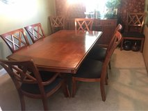 Bassett dining set in Bartlett, Illinois