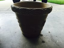 Planting pot in Kingwood, Texas
