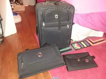 3pc Pacifica luggage set new in Naperville, Illinois