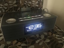 iHome Bluetooth Speaker iBN97 FM clock radio with USB charging in Beaufort, South Carolina