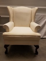 Antique Wingback Chair *matches couch* in Warner Robins, Georgia