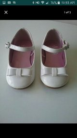 Baby girl dress shoes in Glendale Heights, Illinois