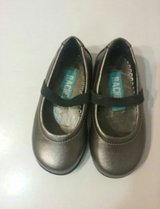 Girl dress shoes in Glendale Heights, Illinois
