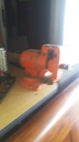 Used Bench top Vise in Baytown, Texas