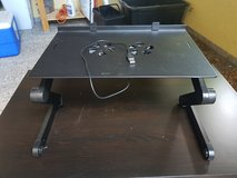Laptop table with built in fan in Grafenwoehr, GE