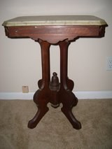 VINTAGE MARBLE SIDE TABLE in Fort Rucker, Alabama