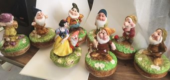 Disney Snow White and 7 Dwarfs Musical Figurines in Algonquin, Illinois