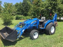 2006 New Holland TC45D 4x4 Tractor in New Orleans, Louisiana