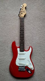 RED FENDER SQUIER MINI ELECTRIC GUITAR in Naperville, Illinois