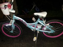 Schwinn delite 20 inch girls bike in Glendale Heights, Illinois