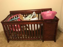 Crib with changing table in Lawton, Oklahoma