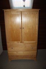 Maple Schrank Made in Italy in Ramstein, Germany