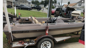 Fiber Glass Bass Boat! $1200 OBO in Fort Campbell, Kentucky