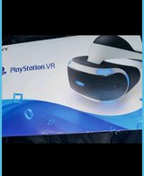 LIKE NEW PLAYSTATION 4 VR HEADSET WITH GAME PRICE IS NEGOTIABLE in San Ysidro, California