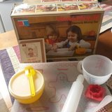 Chilrens Tupperware baking play set 1979' in box in Baytown, Texas