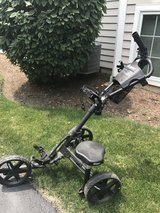 Cliqgear golf push cart in Bolingbrook, Illinois