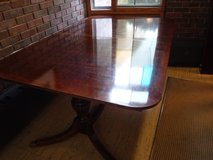 Duncan Phyfe Dining Table Mahogany w/2 leaves & pads - BURR RIDGE IL in Bolingbrook, Illinois