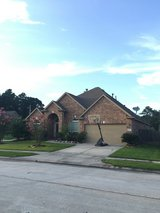 Beautiful 1.5 story Home in Kingwood!! in Kingwood, Texas