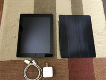 32 GB THIRD GEN IPAD in Camp Lejeune, North Carolina