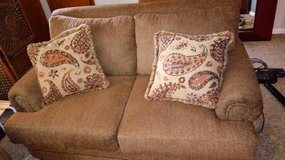 new couch &??seat! in Fort Campbell, Kentucky