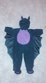 12 month bat costume in Fort Leonard Wood, Missouri