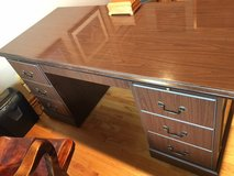Executive wood desk in Chicago, Illinois