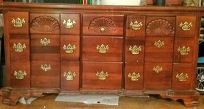 Dresser with 9drawers and 3 way mirrors in Pasadena, Texas