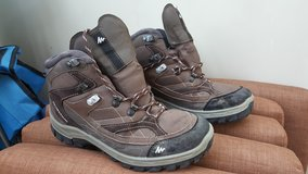 Mens Hiking Boots in Stuttgart, GE