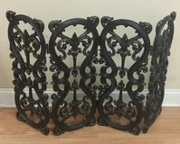 Antique Cast Iron Four Panel Fireplace Screen Guard Protector in Warner Robins, Georgia