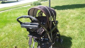 graco ready2grow click connect double stroller in Chicago, Illinois