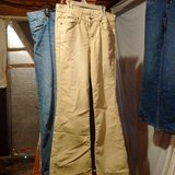 Girls jeans 11/12s in Fort Campbell, Kentucky