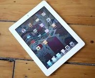 IPAD 2 16 gb white in Camp Lejeune, North Carolina