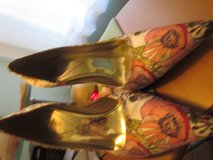 Guess by Marciano Heels sz 9.5 in Orland Park, Illinois