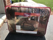 Fall colors Queen Comforter in Naperville, Illinois