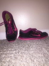 Woman's Nikes 8.5 used in Hopkinsville, Kentucky