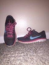 Woman's Nikes size 5.5 used in Hopkinsville, Kentucky